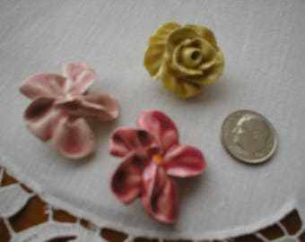 Three Vintage Ceramic Realistic Rose Buttons ~ Circa 1940's~1950's
