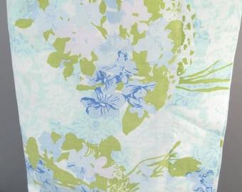 Vintage full sheet, double sheet, full flat sheet, 1960s mid century modern, shabby chic, blue aqua green floral print, floral sheets