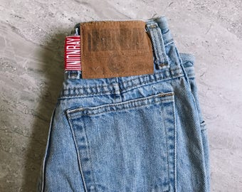Women's Size 00-0 Vintage High Waisted 80's Union Bay / Vintage Light Wash Denim / Size Small / Mom Jeans