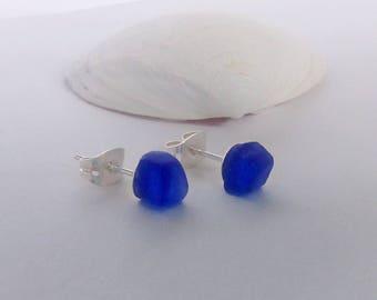 Sea glass stud earrings. Blue sea glass post earrings. Beach glass stud earrings.