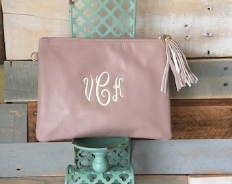 Monogrammed Crossbody, Monogram Purse, Wedding Party Gift, Tassel Handbag, Gifts for her, Monogrammed Clutch, Chain Crossbody