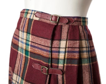 Vintage pleated plaid skirt -- vintage A-line skirt -- 60s / 70s red buckle plaid skirt -- size medium / large