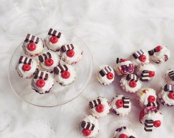 Miniature Cupcakes 10 pcs.,Miniature Fruit Cup Cake,Miniature Sweet,Miniature Bakery,Dolls and Miniature,Dolls House Food,Dolls House Bakery