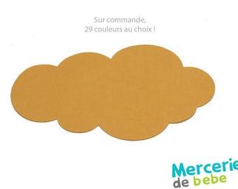 Shaped cloud in felt - Dimensions: 9,6cm x 15.8 cm - colour choice