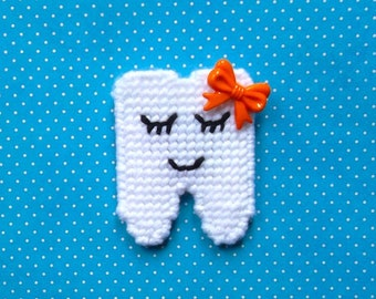 Plastic Canvas: Tooth Holder -- holds a tooth for the Tooth Fairy (and Tooth Money)
