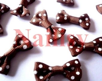 Set of 5 bows with Brown dots.