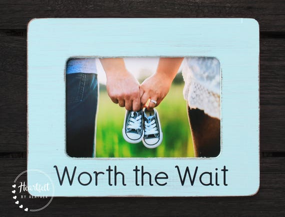 Worth the Wait Pregnancy Picture Frame - Pregnancy Reveal to Family ...