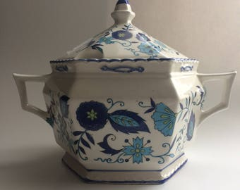 Vintage Mann Imports Soup Tureen without Ladle | Vintage Soup Tureen without Ladle | Mann Imports Blue Heirloom Ironstone