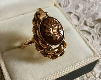 Vintage New Old Stock - c1960-CAMEO CENTURION Marquise RING - Free Size - Gold plated - Cameo - Great effect-from France