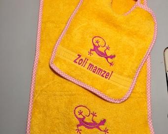 Coffet bib and washcloth
