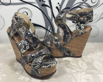 Platform shoes, Chunky shoes, Snake skin shoes, 90's platform shoes, Women's dress shoes, Designer shoes, Women's size 8 1/2