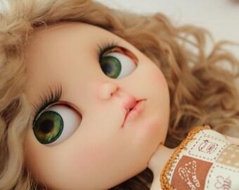 AVAILIBLE Custom blythe doll