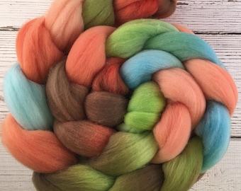 Handpainted Targhee Wool Roving - 4 oz. CYNDI'S SUITCASE - Spinning Fiber