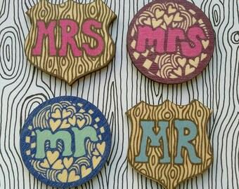 Mr & Mrs badges (set of two)