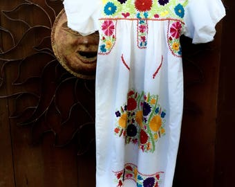Vintage Mexican Dress, Girls Mexican Dress, Young Frida Costume, Ethnic Young Adult Dress, Size XXS, Petite Woman Mexican Dress