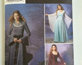 Simplicité 9891 Fantasy/Renaissance robe femme taille 14-20