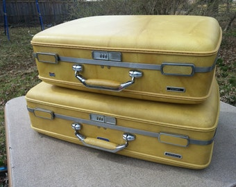 Vintage 2 Piece Escort Luggage Set by American Tourister, Harvest Gold Colored Faux Leather Hardshell Luggage Set with Combination Locks