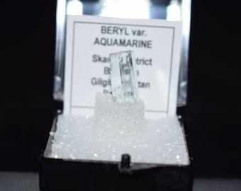Aqua Marine, Thumbnail Crystal, Crystal Specimen, Mineral, Blue, Raw Crystal, Natural Crystal, Pakistan Crystal, Reiki, Wicca, Beryl, Gem