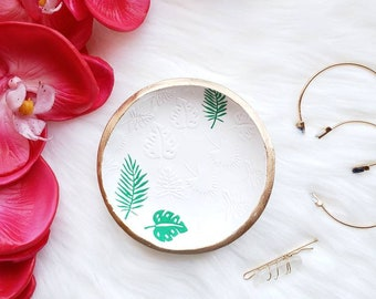 Leaf Ring Dish, Tropical Ring Dish, Plant Lady Gift, Botanical Decor, Plant Lover Gift, Plant Lover Desk Decor, Gift for Her, Earring Holder