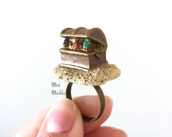 Miniature Treasure Chest Ring. Pirates. Pirate Loot. Jewels. Tiny Chest. Sand. Beach. Treasure. Jewels. Unique Statement Rings. Fun Minis