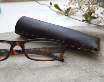 Dark brown leather glasses case.  Reading glasses case.  Glasses case, glasses pouch.  Colour variations available.  Handmade in England