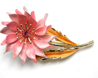 Coro Pink  Flower Brooch with pink  Rhinestone on a pink and gold  enamel on metal