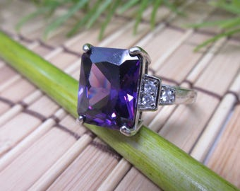 Sterling Silver Purple Stone Ring Size 8.5 Small Clear Stones Cubic Zirconia Cushion Old Mine Cut 925 Elegant Vintage FREE SHIPPING (732)