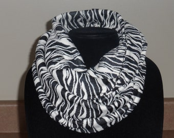 Black and white Jacquard knit