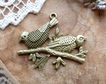 1x Woodland Birds Pendant, Antique Brass Necklace Pendant P105