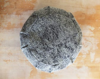 Zafu meditation cushion / organic buckwheat hulls