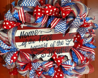 Patriotic wreath / red white and blue / Memorial day decor / 4th of July / front door decor / rustic decor / farmhouse decor