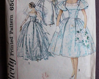 Misses 50s 60s Ballgown Royal Wedding Dress Long Sleeve Puffed Full Skirt Lace Bow Vintage Simplicity 3469 Sewing Pattern Size 12 Bust 32