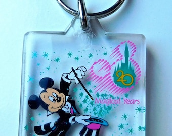 Walt Disney World Magic Kingdom Acrylic Key Chain 20th Anniversary. used