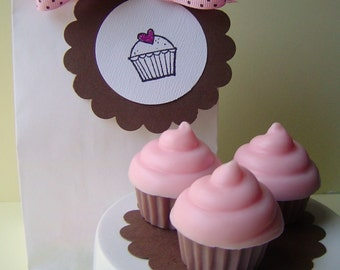 Raspberry Cream Cupcake Soap Gift Set - Mini Cupcake Gift Set - Goat Milk Soap - Sweet 16 - Party favor  - Teen - Shaped Soap - fake food