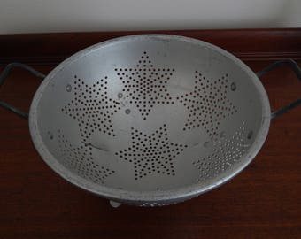 Vintage Aluminum Colander, Vintage Strainer, Country Kitchen Decor, Farmhouse Decor