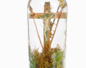 Collector item religious - Crucifix in a glass bottle