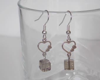 Fancy heart and Pearl Earrings gray