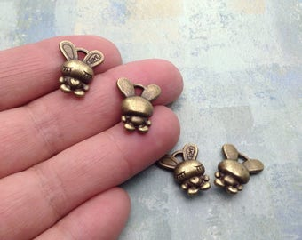 10 Rabbit Charms / Bronze Rabbit Charms / Easter Rabbit Charm / Antique Bronze Rabbit Charms / Choose quantity