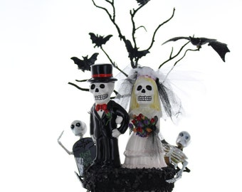 Skeleton Bride and Groom Wedding Topper / Halloween Wedding / Day of the Dead Wedding
