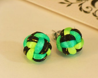 Chinese Knot Pearl Stud Earrings - Black with Golden Thread and Rainbow Green