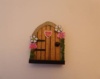 Handmade miniature Fairy Door for the 1/12th scale dolls house - pink