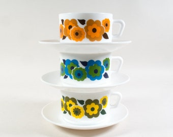 Arcopal teacup Lotus, Set of 3 Cup & Saucers, 70's French Kitchenware