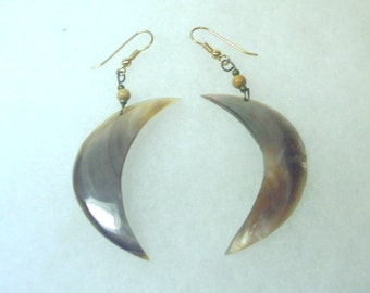 Vintage Natural Shell Crescent Earrings