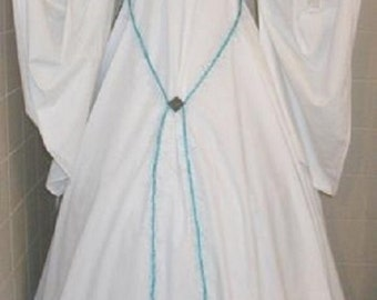 Renaissance  chemise style reenactment costume gown White w/dagged sleeves - brooch & tie belt easy wash