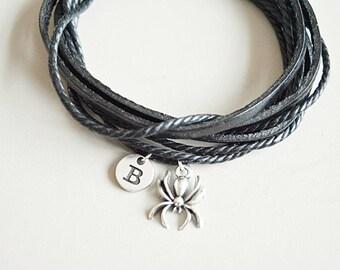 Halloween gifts, halloween jewelry, halloween bracelet, Spider Bracelet, Spider Gift, Spider Jewelry, Spider Charm, Insect Gift, haloween
