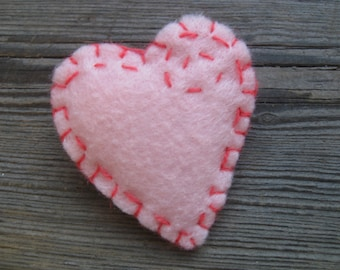 Pretty in PINK HEART PIN felt brooch