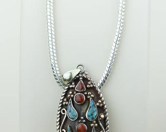 Small Size Turquoise Coral Native Tribal Ethnic Vintage Nepal Tibetan Jewelry OXIDIZED Silver Pendant + Chain P4373