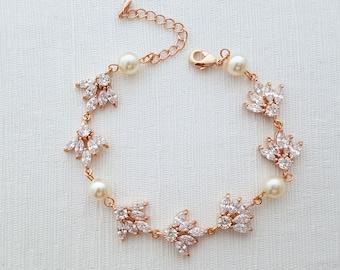 Rose Gold Bracelet, Crystal Bridal Bracelet, Swarovski Pearls, Rose Gold Wedding Jewelry, Crystal Wedding Bracelet, Bridal Jewelry, Rosa
