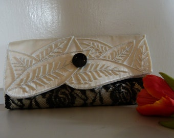 Small clutch, cream, white, black lace