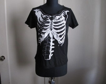 Fitted Skeleton Top with Cutout Neck